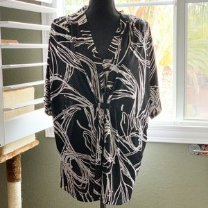 Lane Bryant 22/24 beautifully draped v-neck blouse